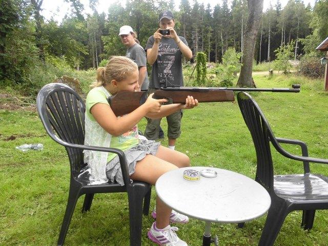 Hanna skjuter