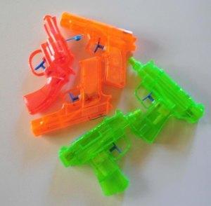 vattenpistoler