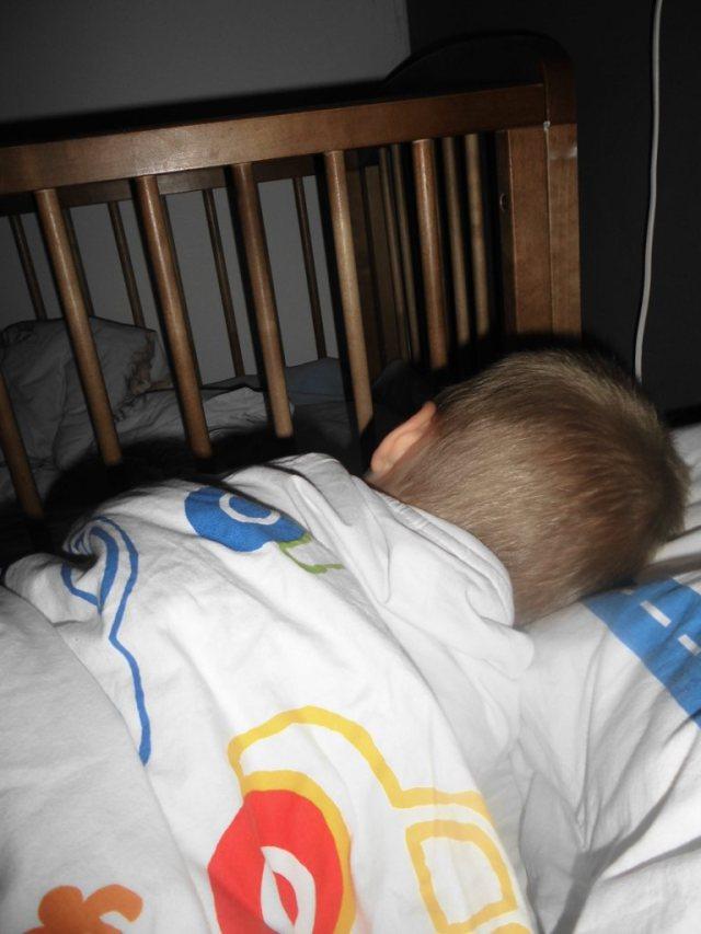 Isak sover