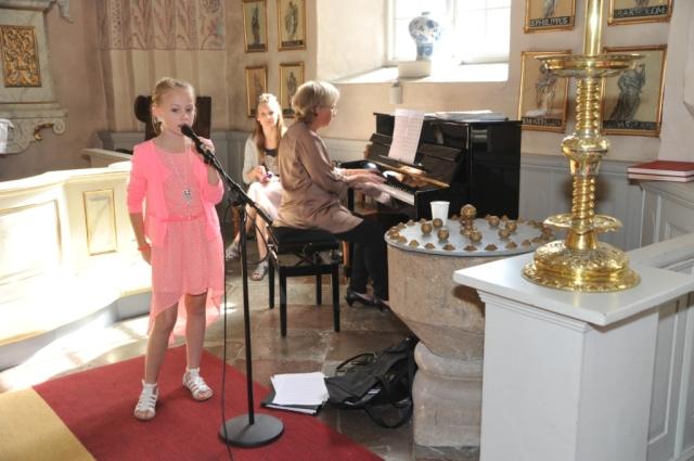 Sofie sjunger