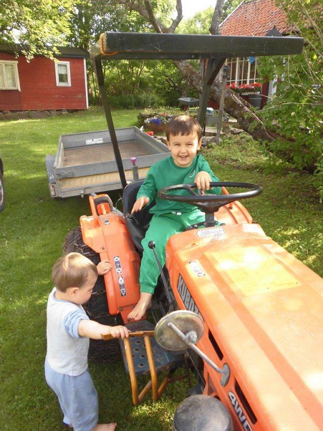 Lucas och traktor