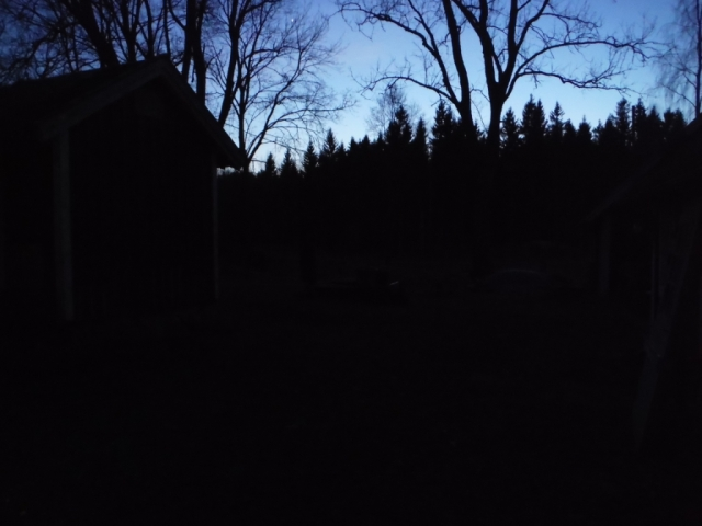 mörkt